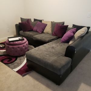 sectional for sale and rug. for Sale in Atlanta, GA