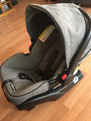 Graco click connect car seat for Sale in Canyon Country, CA
