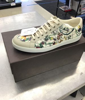 Gucci shoes *SIZE 12 1/2 for Sale in Streamwood, IL
