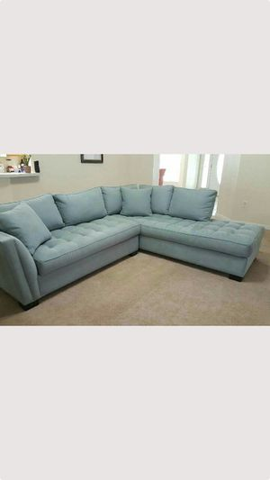 Rooms to go hydra color cindy crawford couch sectional $1299.99 plus tax at rooms to go selling 750.00 for Sale in Winter Haven, FL