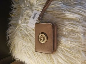 MK khaki small wallet for Sale in Duluth, GA