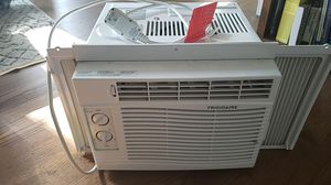 Frigidaire in-window AC unit for Sale in Chicago, IL