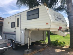 5th wheel retro camper for Sale in Riverside, CA
