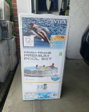 Intex 12 ft x 30 in prism frame premium pool set with pump & filter for Sale in Houston, TX