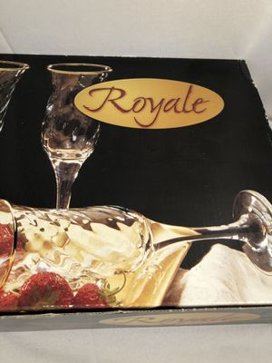 Like new Royal glass champagne flutes for Sale in Chino, CA