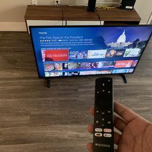 Insignia 50 Inch Smart TV for Sale in Los Angeles, CA