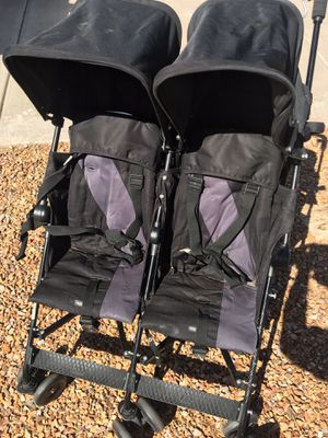 Maclaren Twin Triumph Stroller - Lightweight, Compact for Sale in Phoenix, AZ