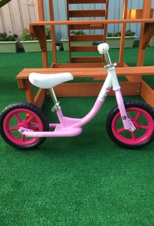 Pink no pedal bike $30 for Sale in Miami, FL