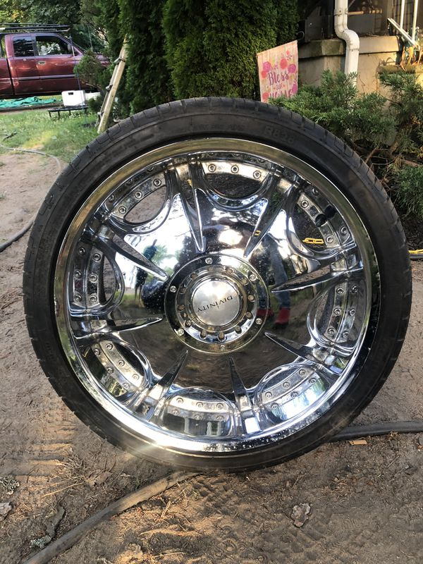 "20"" Divinity Chrome Rims & Tires"