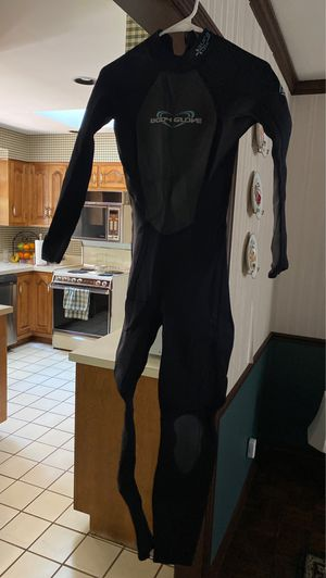 Aura 3.2 mm women's Body Glove wet suit size 9-10 for Sale in Wheaton, IL