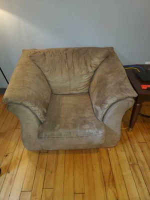 Free Chair ‼️ Pick up only for Sale in Petersburg, VA