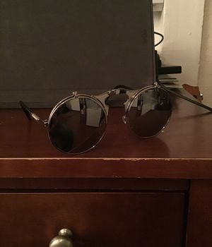 Clean no name brand sunglasses for Sale in San Diego, CA