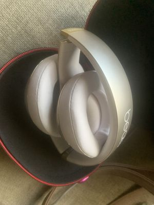 "Beats by Dre ""studio"" for Sale in Hayward, CA"
