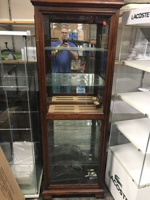 Cigar humidor with humidifier for Sale in North Miami, FL