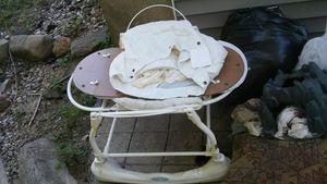 Bassinet for Sale in Waterbury, CT
