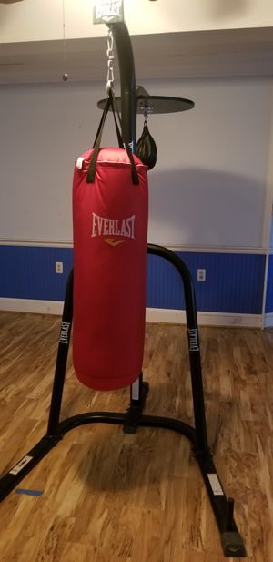Heavyweight punching and speed bag for boxing with stand for Sale in Shelton, CT