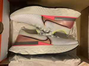 Women's Nike React Infinity Run Flynit Size 9.5 for Sale in Greensboro, NC