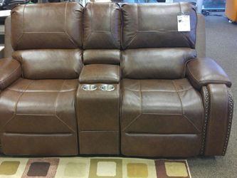 GREAT POWER RECLINING LOVESEAT for Sale in Portland,  OR
