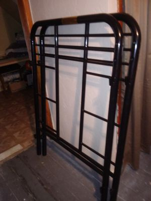 For sale bunk bed needs the top frames for Sale in Cleveland, OH