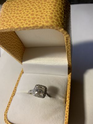 Tiffany diamond ring on platinum 1.10CT for Sale in Gaithersburg, MD