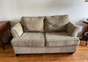 Green couch in excellent condition for Sale in Oakland, CA