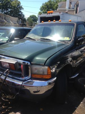 2001 Ford 350 (parting out) 5.4 V8 low milage for Sale in Newark, NJ