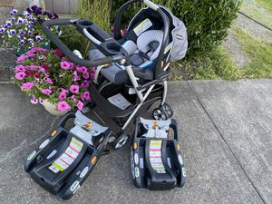 Chicco travel system with 1 car seat , snap and go stroller and 2 bases for Sale in Everett, WA