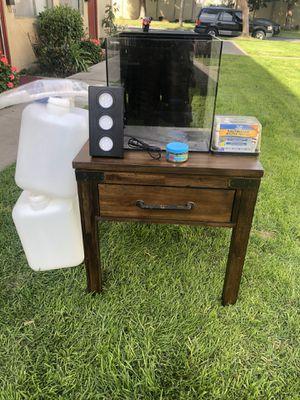 10 gallon salt water for Sale in Santa Ana, CA