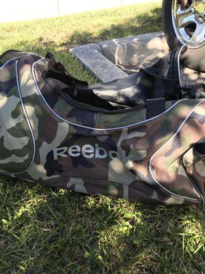Nice size Reebok bag for Sale in Tampa, FL