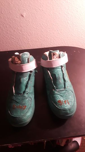 Painted shoes 6 and 7 years old for Sale in Riverside, CA