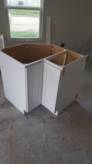 White Shaker Cabinets for Sale in Grand Prairie, TX