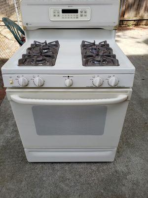Stove good condition for Sale in Sacramento, CA
