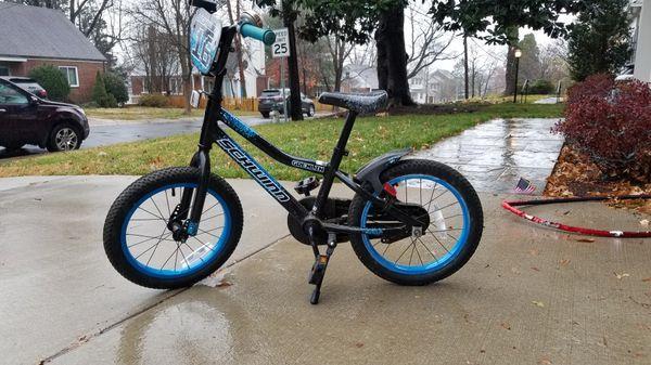"""Schwinn Gremlin Bike - 16"""""""