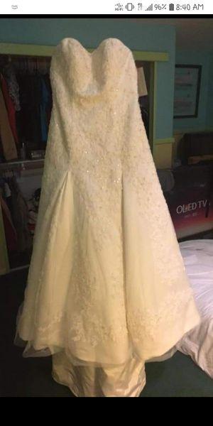 Oleg Cassini Wedding Dress for Sale in Payson, AZ