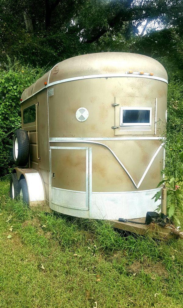 04 ponderosa 2 horse straight load trailer
