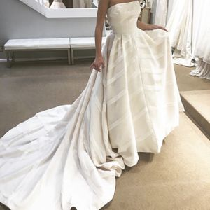 Beautiful wedding dress for Sale in Bountiful, UT