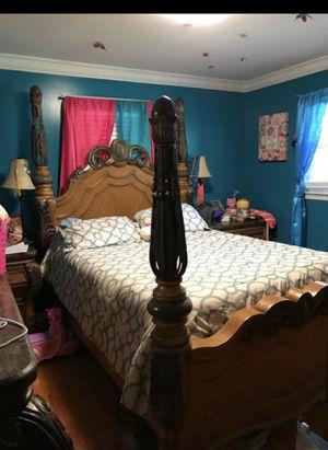 Queen bedroom set for Sale in Greenville, SC