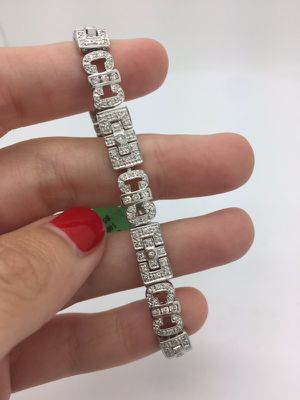 Diamond tennis bracelet pave 18k for Sale in Miami, FL