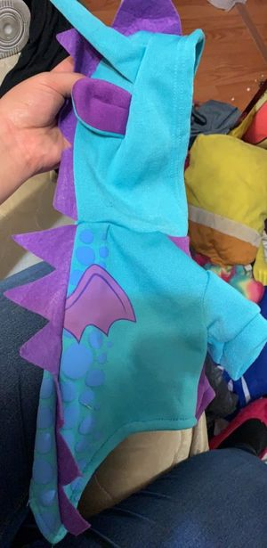 Dog or cat dragon costume for Sale in Peoria, IL
