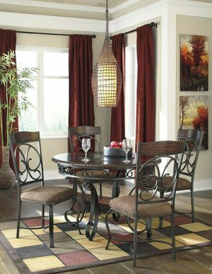 5pc round dining room table & 4 uph chairs for Sale in Orlando, FL