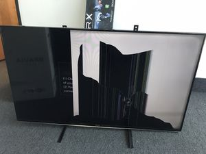 Samsung 55 inch smart TV (broken screen) for Sale in Grand Prairie, TX