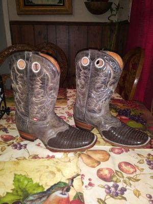 Mens Boots Size 10 for Sale in San Antonio, TX