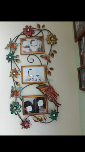 Beautiful picture frame for Sale in Tampa, FL