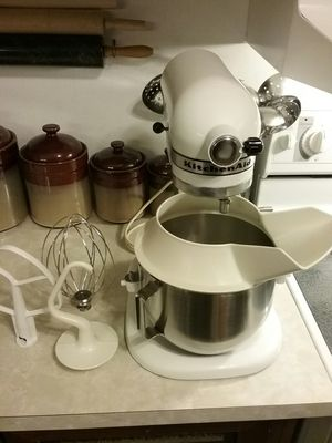 KitchenAid mixer for Sale in Parma Heights, OH
