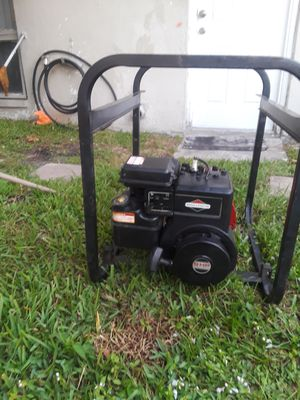 GENERATOR BRIGGS AND STRATTON 3000 WATTS WORKS VERY GOOD for Sale in Boca Raton, FL