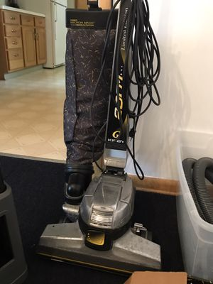 Vacuum cleaner for Sale in North Royalton, OH