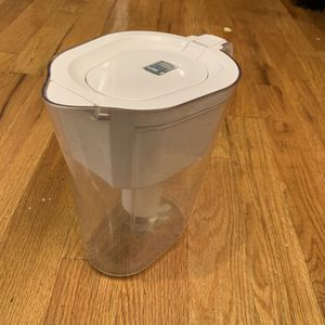 Brita 10-Cup White Pitcher with Filter for Sale in Brooklyn, NY