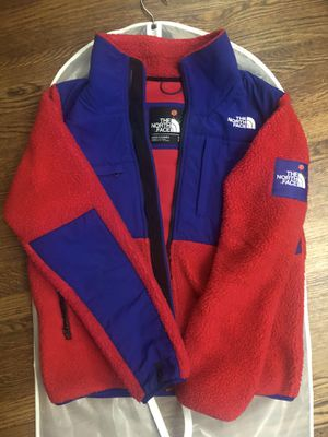 North Face x Olivia Kim Denali Sz S (fits like M) for Sale in Daly City, CA