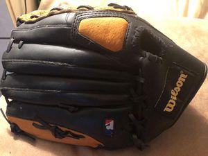 Wilson left handed baseball glove ( A350 ) for Sale in Morrisville, PA