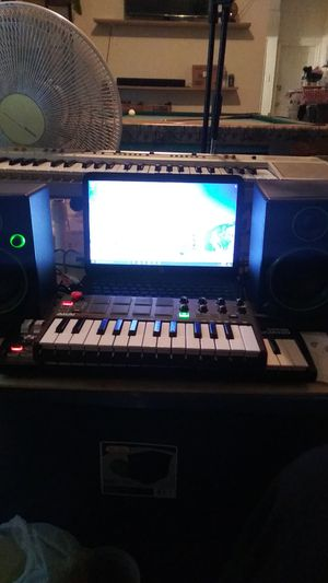 Used home recording studio setup works good just need interface and recording software for Sale in Philadelphia, PA